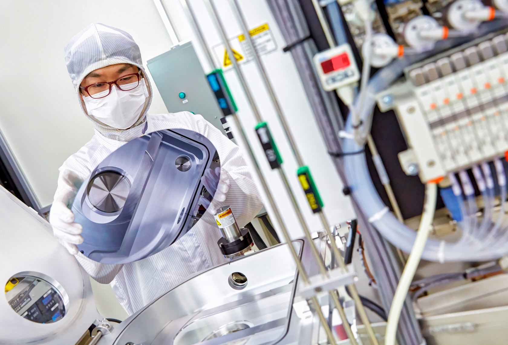 ATMI/labtech/cleanroom/medical photography
