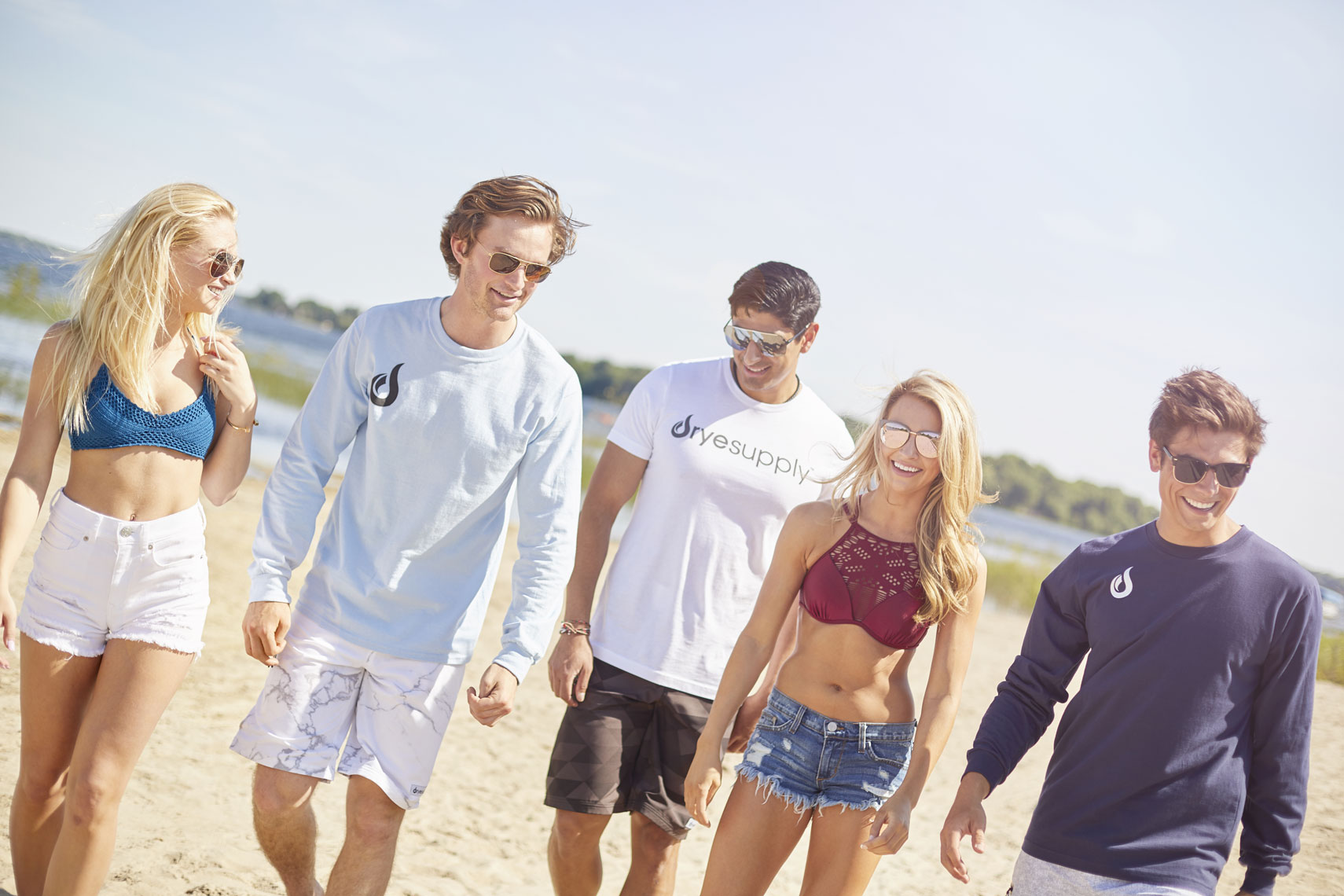 DryeSupply Shorts/Young men and women strolling/lifestyle photography