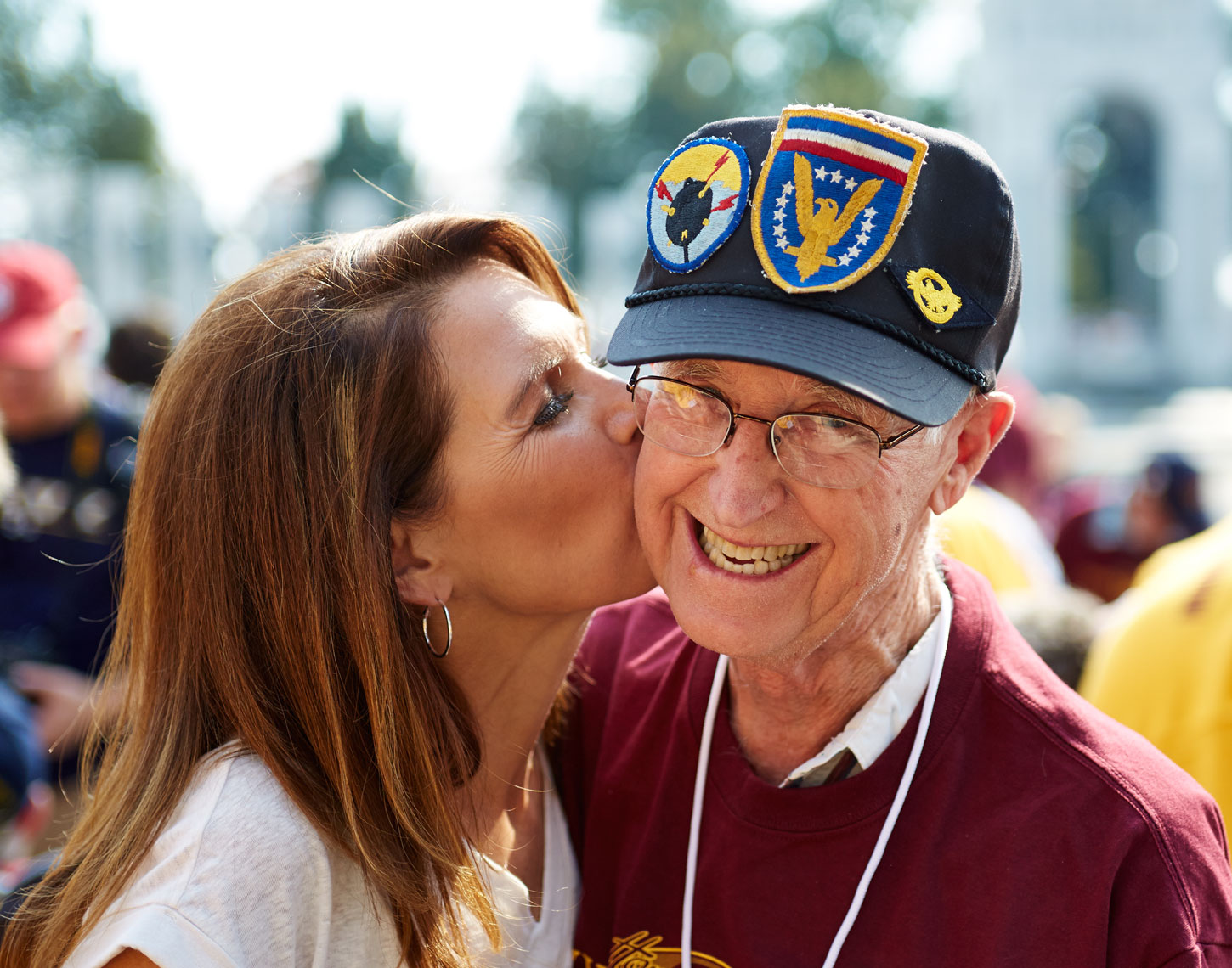 WW2 Vet/war memorial/kissing/Honor Flight