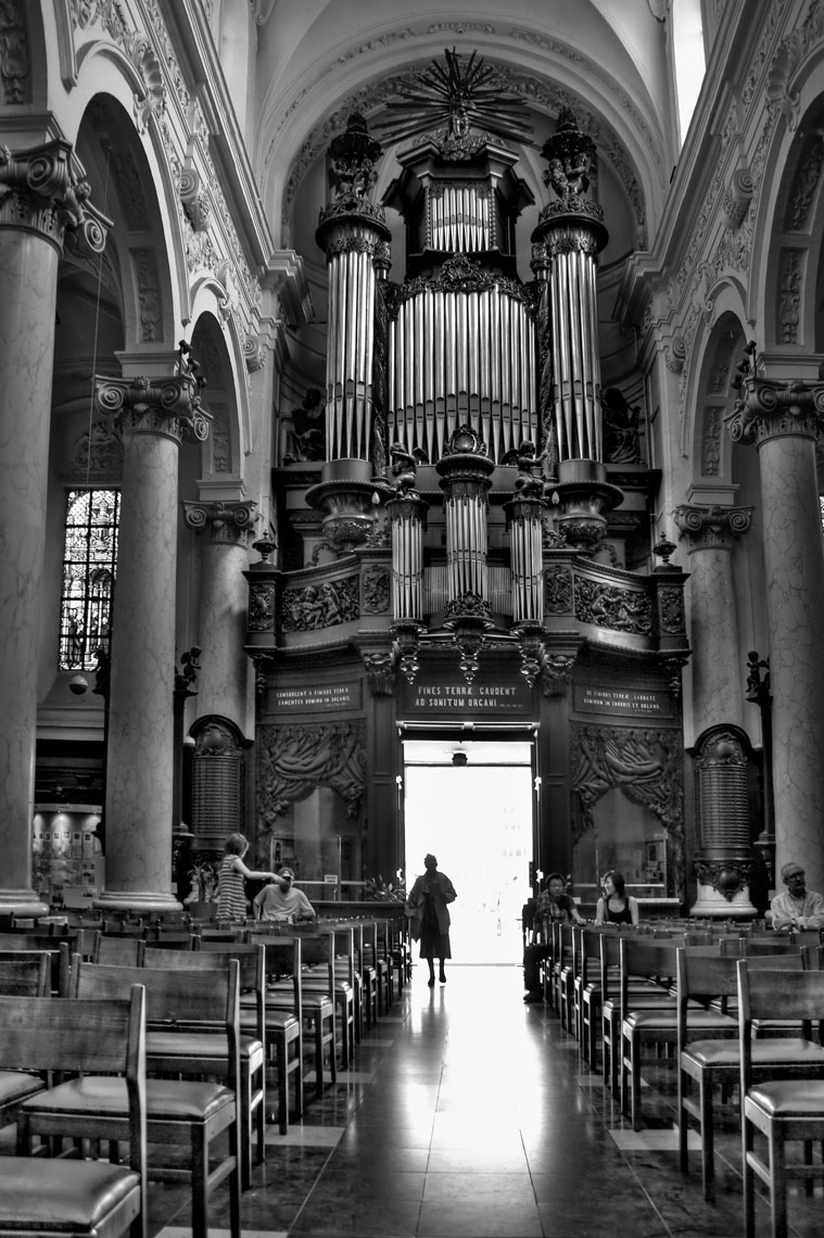 Church/Brussels Belgium/organ/pillars/location photography