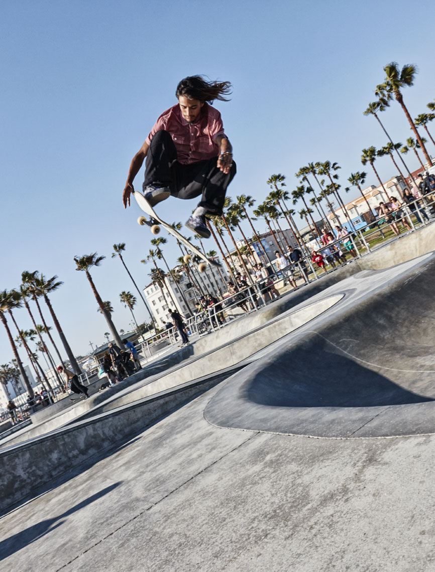 Skateboarder/jumping high//locaton photography