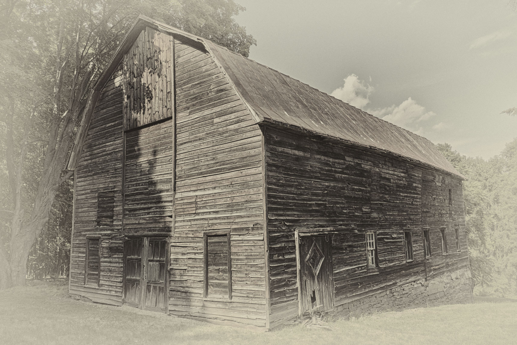 Old Barn/black and white/locaton photography