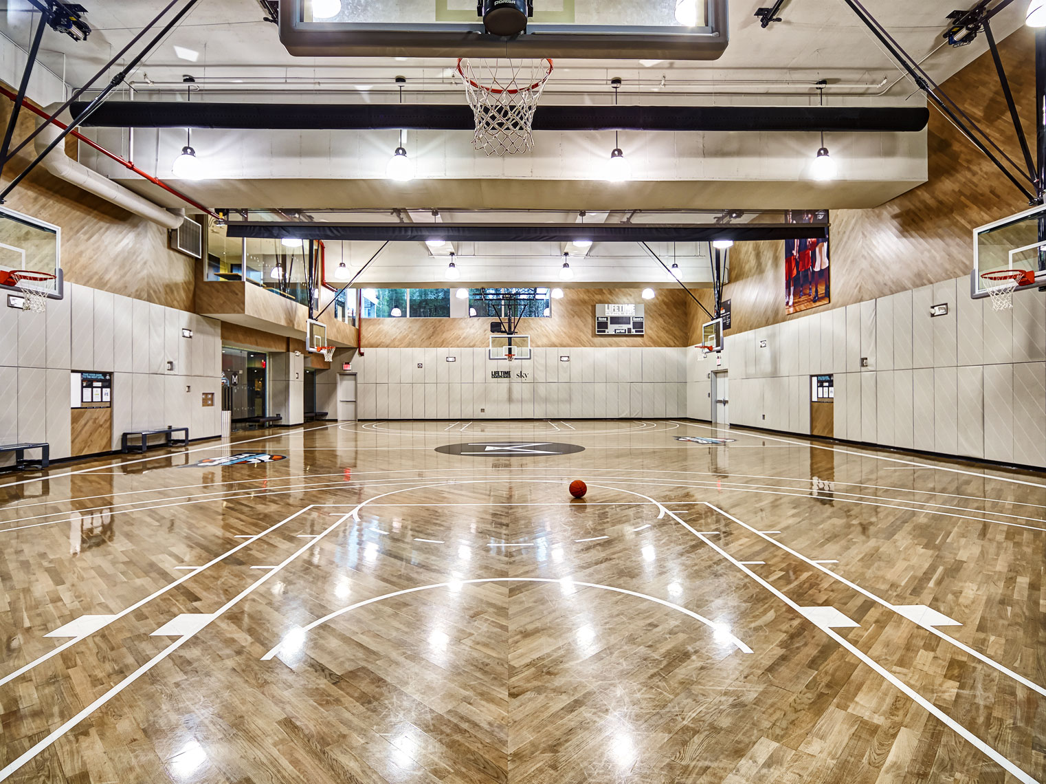 LifeTime basketball court/architectural photography