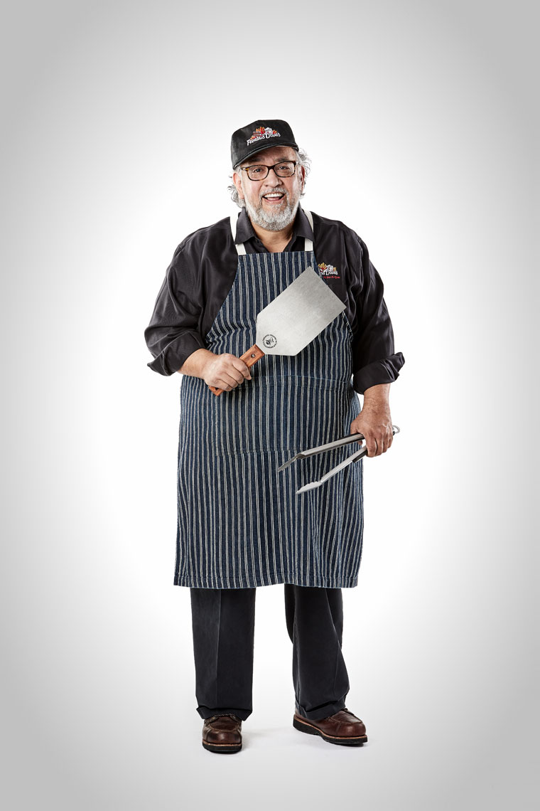 Famous Dave/white background/spatula/tongs/lifestyle photography