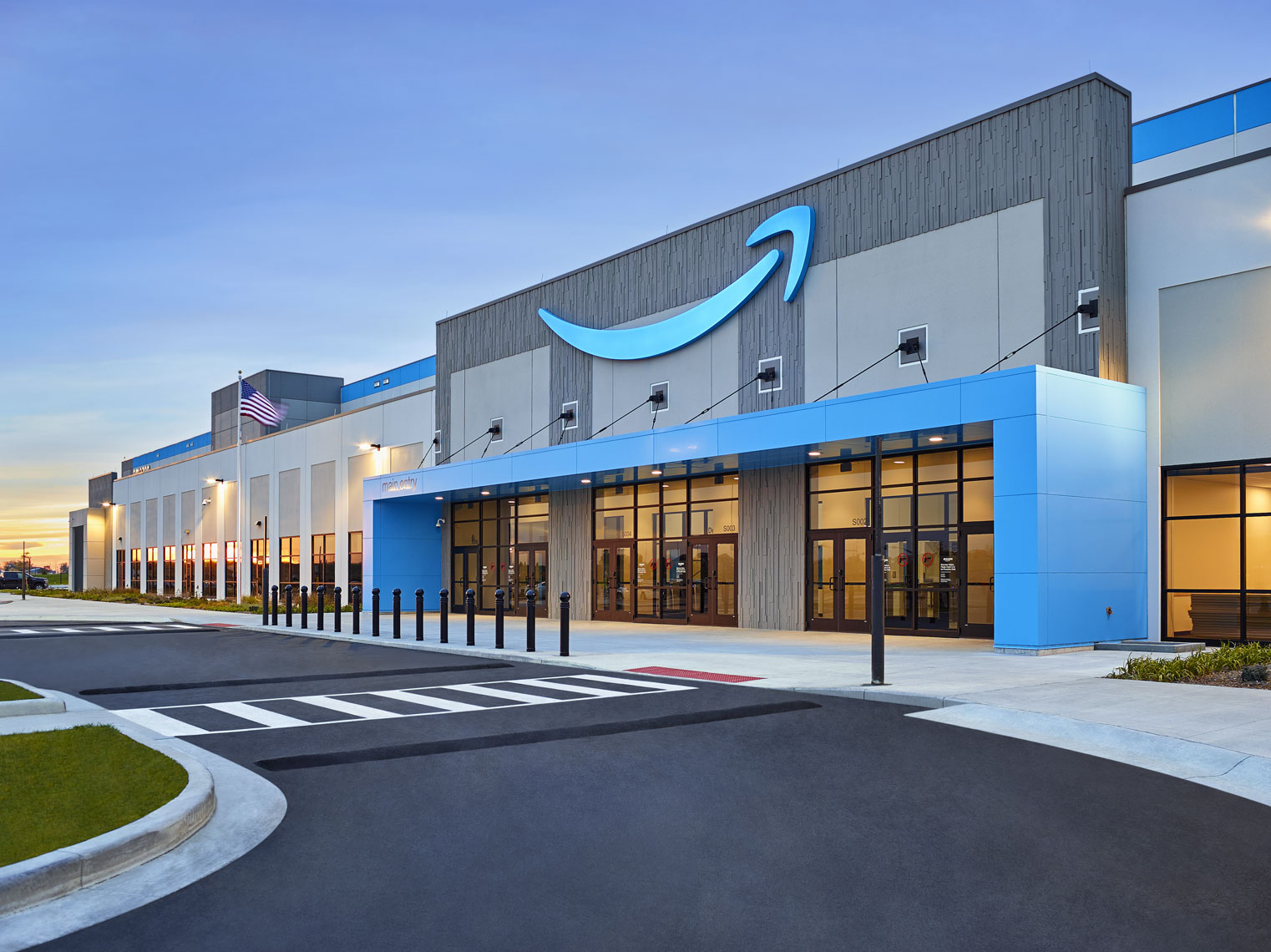 Amazon/exterior/blue/Ryan/Bond/architectural photography