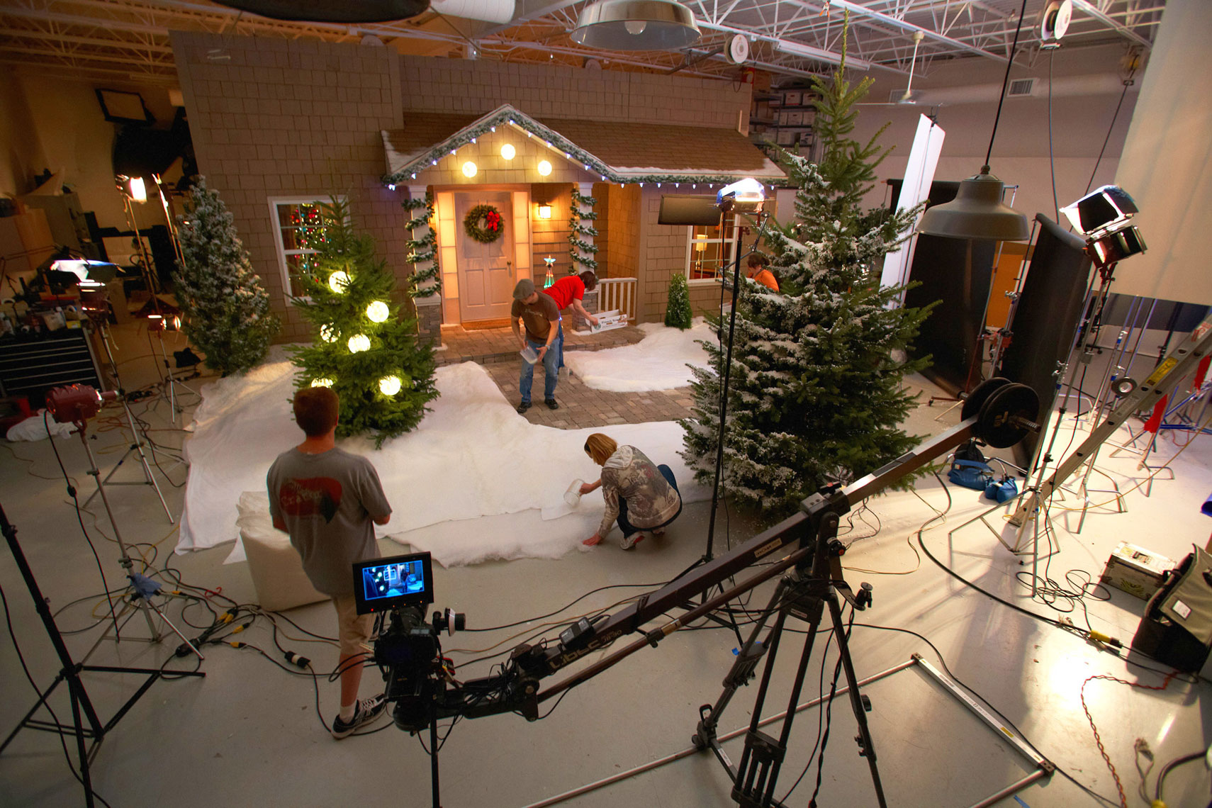 Christmas House/bts/studio set photography