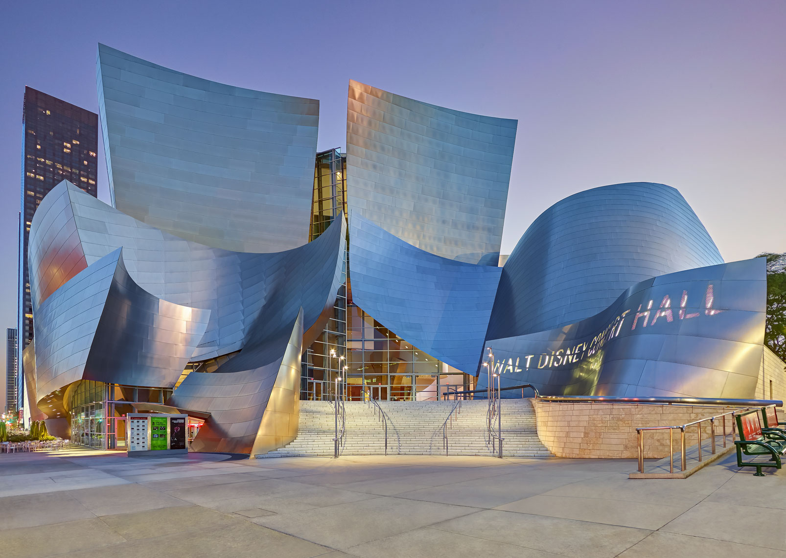 Walt-Disney-Concert-Hall,-L.A.-California