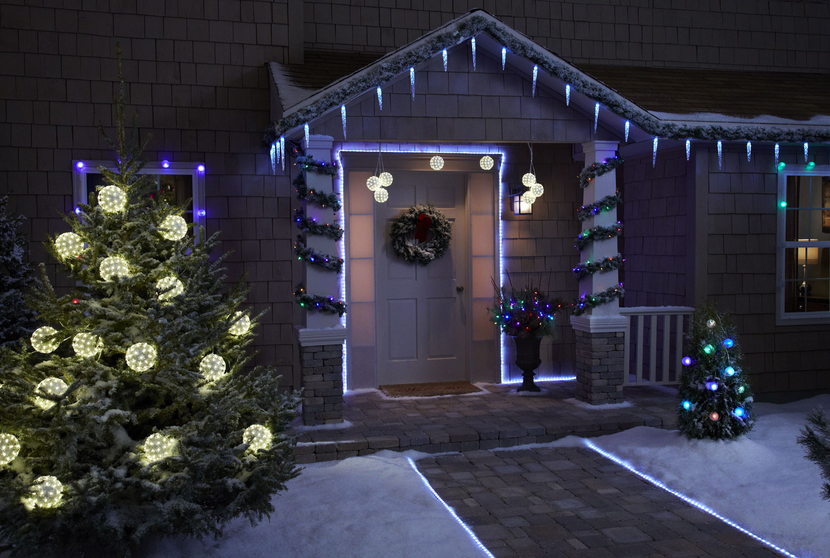 Christmas house/front/Phillips/studio set photography