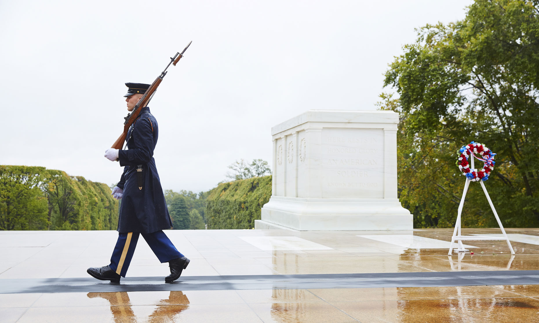 Honor Guard/marching/tomb of the unknown soldier/Honor Flight