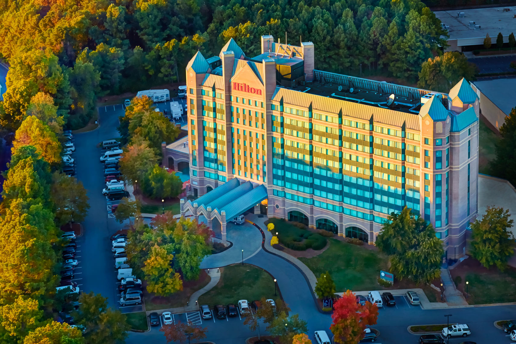 Hilton hotel/Aerial exterior/castle like look/architectural photo