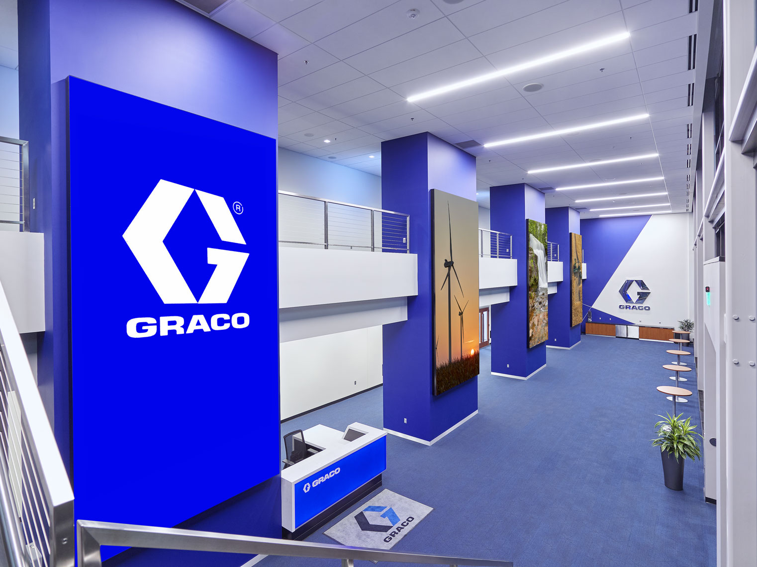Graco/hallway/interior architecture photograph