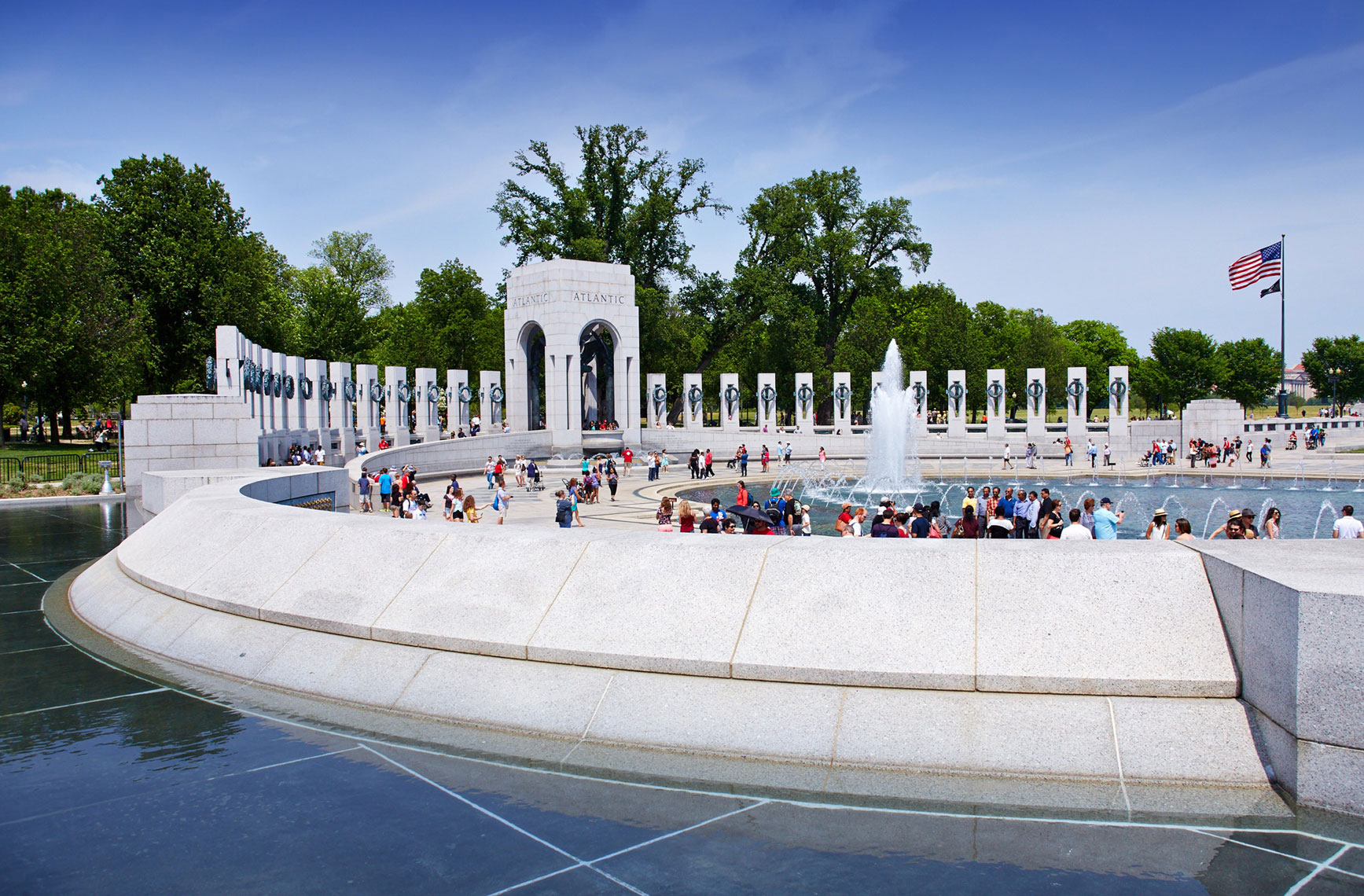 WW2 Memorial/curve wall/fountain/Honor Flight